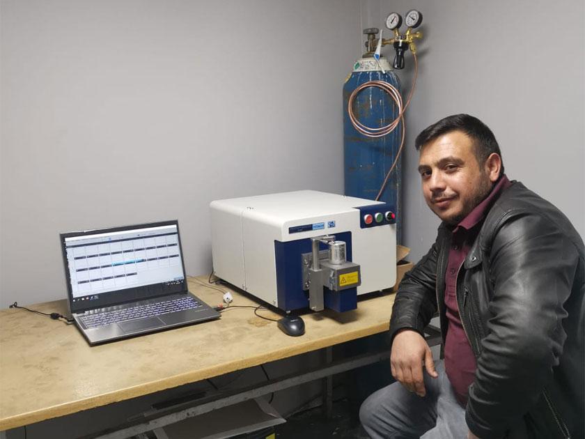 Eraslan Kardeşler Alüminyum Ürettimini Yaptığı Alüminyum Külçeleri Hitachi Foundry Master Smart Spektrometresiyle Kontrol ediyor!